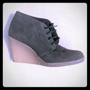 Rampage faux suede ankle boot green wedge 8